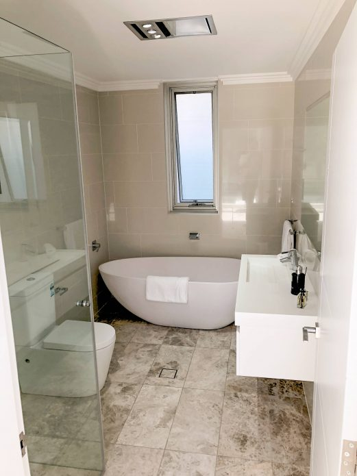 Modern bathroom design melbourne renovation remodeling for Bathroom designs melbourne
